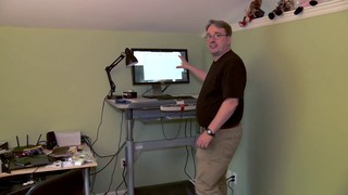Linux-Torvalds-Shows-Off-His-Home-Working-Desk-451264-3.jpg